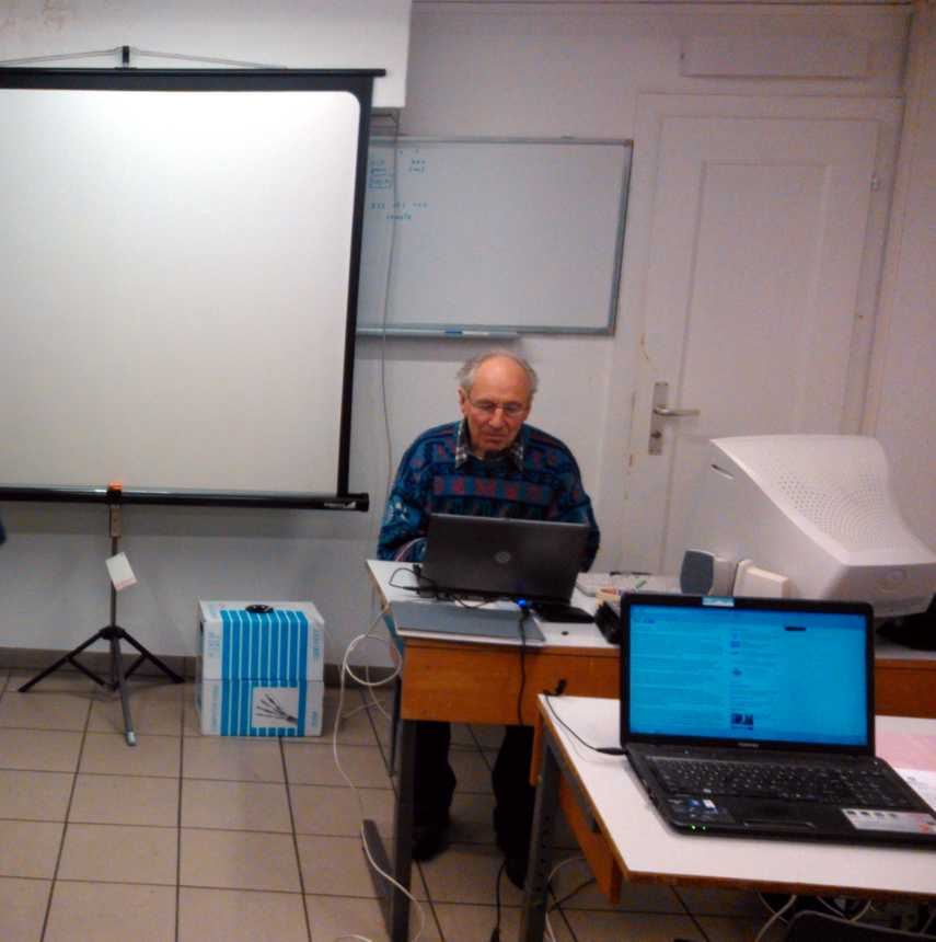 R. Hopfer am Laptop
